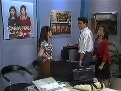 Caroline Alessi, Paul Robinson, Christina Alessi in Neighbours Episode 1250