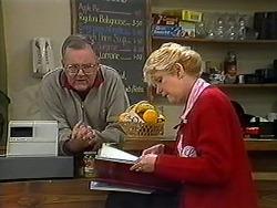 Harold Bishop, Madge Bishop in Neighbours Episode 1250
