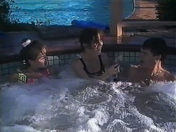 Christina Alessi, Caroline Alessi, Paul Robinson in Neighbours Episode 1250