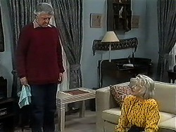 Clarrie McLachlan, Helen Daniels in Neighbours Episode 1252