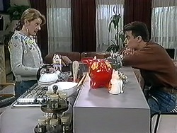Melanie Pearson, Paul Robinson in Neighbours Episode 1253