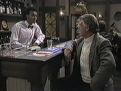 Eddie Buckingham, Clarrie McLachlan in Neighbours Episode 1256