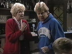 Madge Bishop, Darryl Cotton in Neighbours Episode 1257