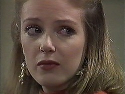 Melanie Pearson in Neighbours Episode 1260