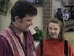Des Clarke, Melanie Pearson in Neighbours Episode 1261