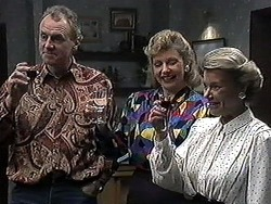 Jim Robinson, Beverly Marshall, Helen Daniels in Neighbours Episode 1262