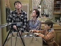 Joe Mangel, Kerry Bishop, Toby Mangel in Neighbours Episode 1262