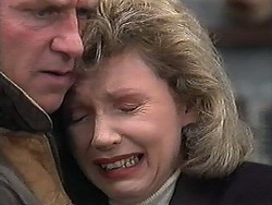 Jim Robinson, Beverly Robinson in Neighbours Episode 1263