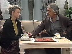 Helen Daniels, Clarrie McLachlan in Neighbours Episode 1263