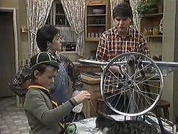 Toby Mangel, Kerry Bishop, Joe Mangel in Neighbours Episode 1263