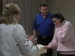 Beverly Marshall, Des Clarke, Karen Hollis in Neighbours Episode 1266