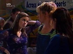 Anne Wilkinson, Ruth Wilkinson, Susan Kennedy in Neighbours Episode 3135