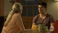 Amber Turner, Chris Pappas in Neighbours Episode 6681