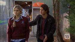 Amber Turner, Robbo Slade in Neighbours Episode 6688