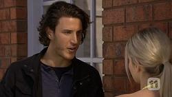 Robbo Slade, Amber Turner in Neighbours Episode 6690