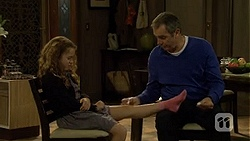 Holly Hoyland, Karl Kennedy in Neighbours Episode 6695
