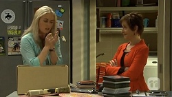 Lauren Turner, Susan Kennedy in Neighbours Episode 6699