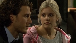 Robbo Slade, Amber Turner in Neighbours Episode 6699