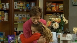 Susan Kennedy, Holly Hoyland in Neighbours Episode 6700