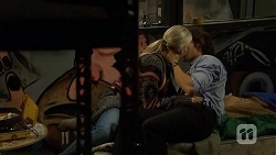 Amber Turner, Robbo Slade in Neighbours Episode 6700