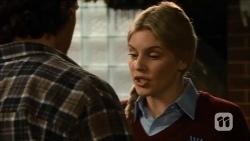 Robbo Slade, Amber Turner in Neighbours Episode 6702