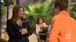 Terese Willis, Susan Kennedy in Neighbours Episode 6709