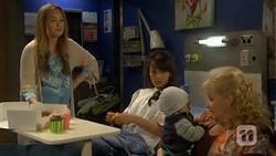 Sonya Rebecchi, Vanessa Villante, Patrick Villante, Sheila Canning in Neighbours Episode 6711