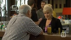 Lou Carpenter, Sheila Canning in Neighbours Episode 6711