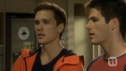 Josh Willis, Chris Pappas in Neighbours Episode 6711