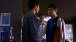 Chris Pappas, Matt Turner, Hudson Walsh in Neighbours Episode 6721