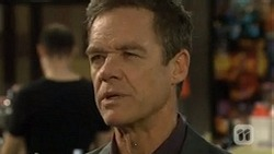 Paul Robinson  in Neighbours Episode 6722