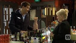 Matt Turner, Sheila Canning in Neighbours Episode 6728