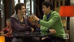 Chris Pappas, Hudson Walsh in Neighbours Episode 6730
