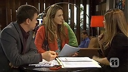 Paul Robinson, Sonya Mitchell, Terese Willis in Neighbours Episode 6730