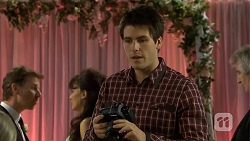 Lucas Fitzgerald, Vanessa Villante, Chris Pappas in Neighbours Episode 6732