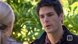 Amber Turner, Chris Pappas in Neighbours Episode 6734