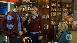 Josh Willis, Amber Turner, Georgia Brooks in Neighbours Episode 6735