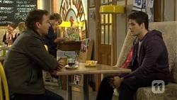 Lucas Fitzgerald, Chris Pappas in Neighbours Episode 6737