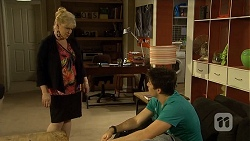 Sheila Canning, Chris Pappas in Neighbours Episode 6742
