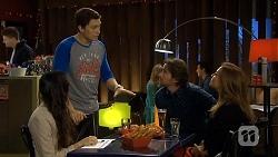 Imogen Willis, Josh Willis, Brad Willis, Terese Willis in Neighbours Episode 6742