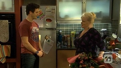 Chris Pappas, Sheila Canning in Neighbours Episode 6743