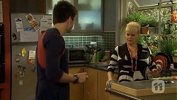 Chris Pappas, Sheila Canning in Neighbours Episode 6744