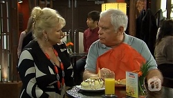 Sheila Canning, Lou Carpenter in Neighbours Episode 6744