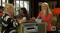 Sheila Canning, Lauren Turner in Neighbours Episode 6744