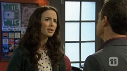Kate Ramsay, Paul Robinson in Neighbours Episode 6745