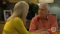 Lauren Turner, Lou Carpenter in Neighbours Episode 6745