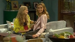Georgia Brooks, Gemma Reeves in Neighbours Episode 6747