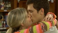 Amber Turner, Josh Willis in Neighbours Episode 6749