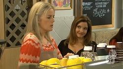Lauren Turner, Terese Willis in Neighbours Episode 6750