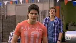 Chris Pappas, Kyle Canning in Neighbours Episode 6750